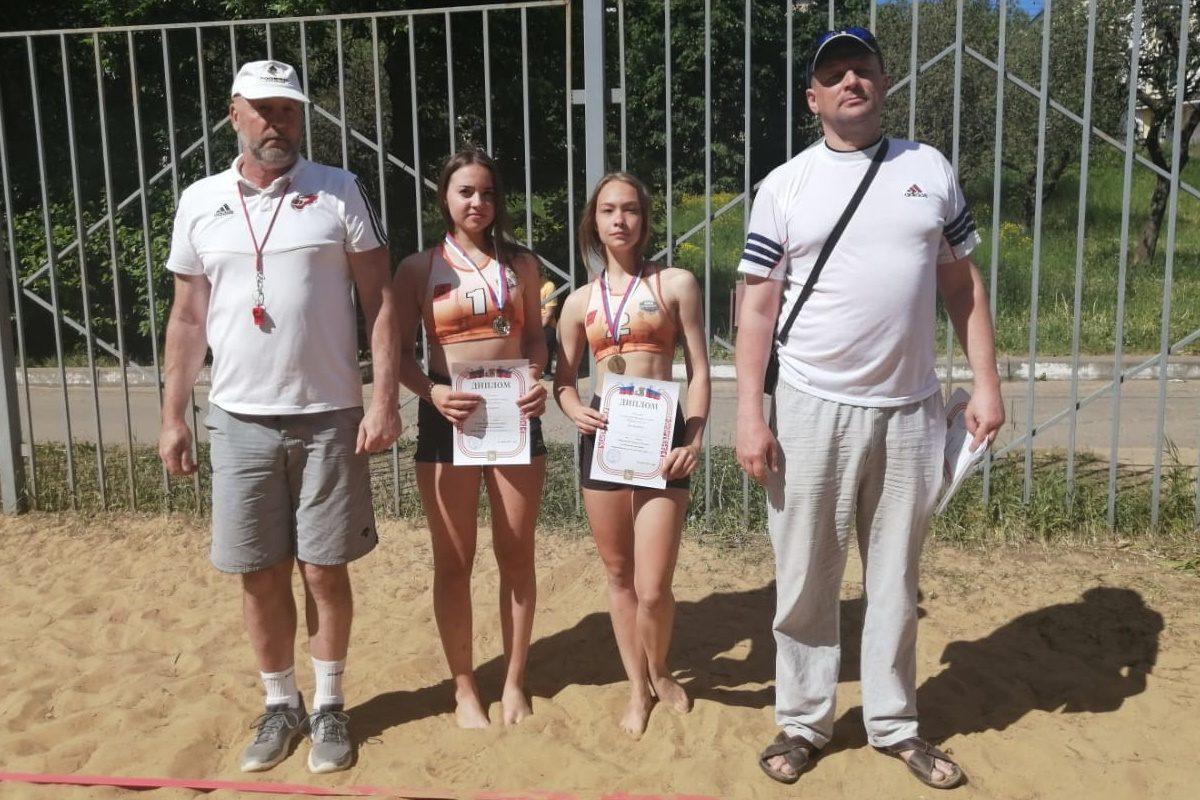 Две Саши из города Кимры дважды обыграли Тверь в пляжный волейбол
